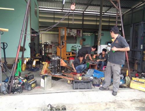บริการซ่อมรถยก ซ่อมรถโฟล์คลิฟท์ Repair Forklift ซ่อม Hand Pallet
